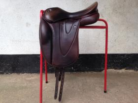 For sale: WOW Dressage Saddle