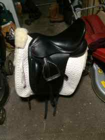 For sale: Kent and masters dressage saddle